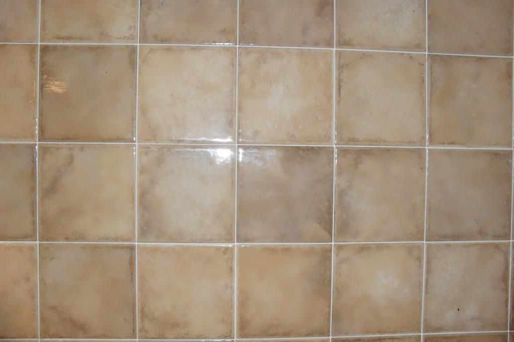 Piastrelle da rivestimento bagno o cucina ristruttura e - Piastrelle 10x10 per cucina ...