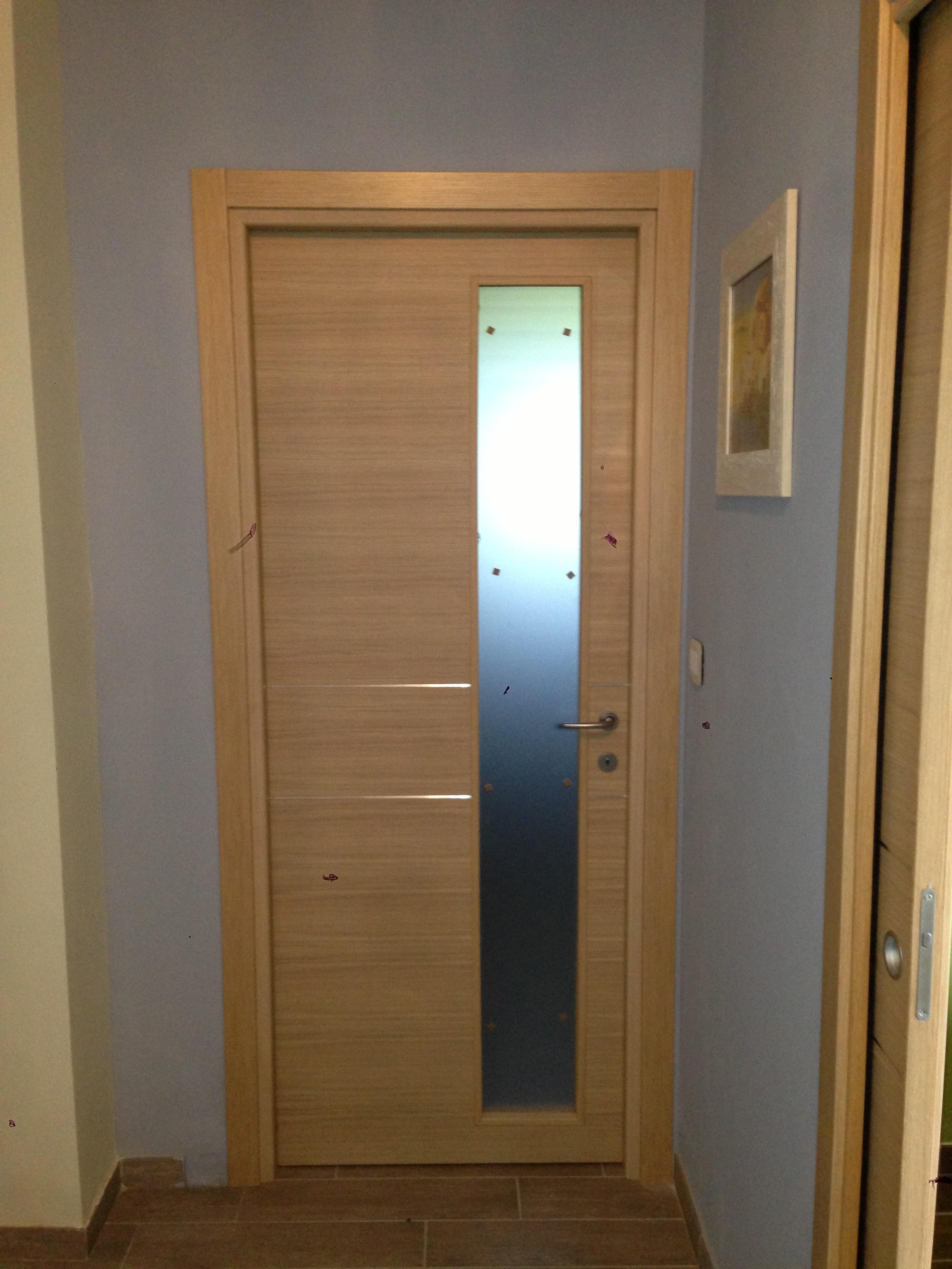 Fornitura e montaggio di porte interne : Arredamenti Agostino