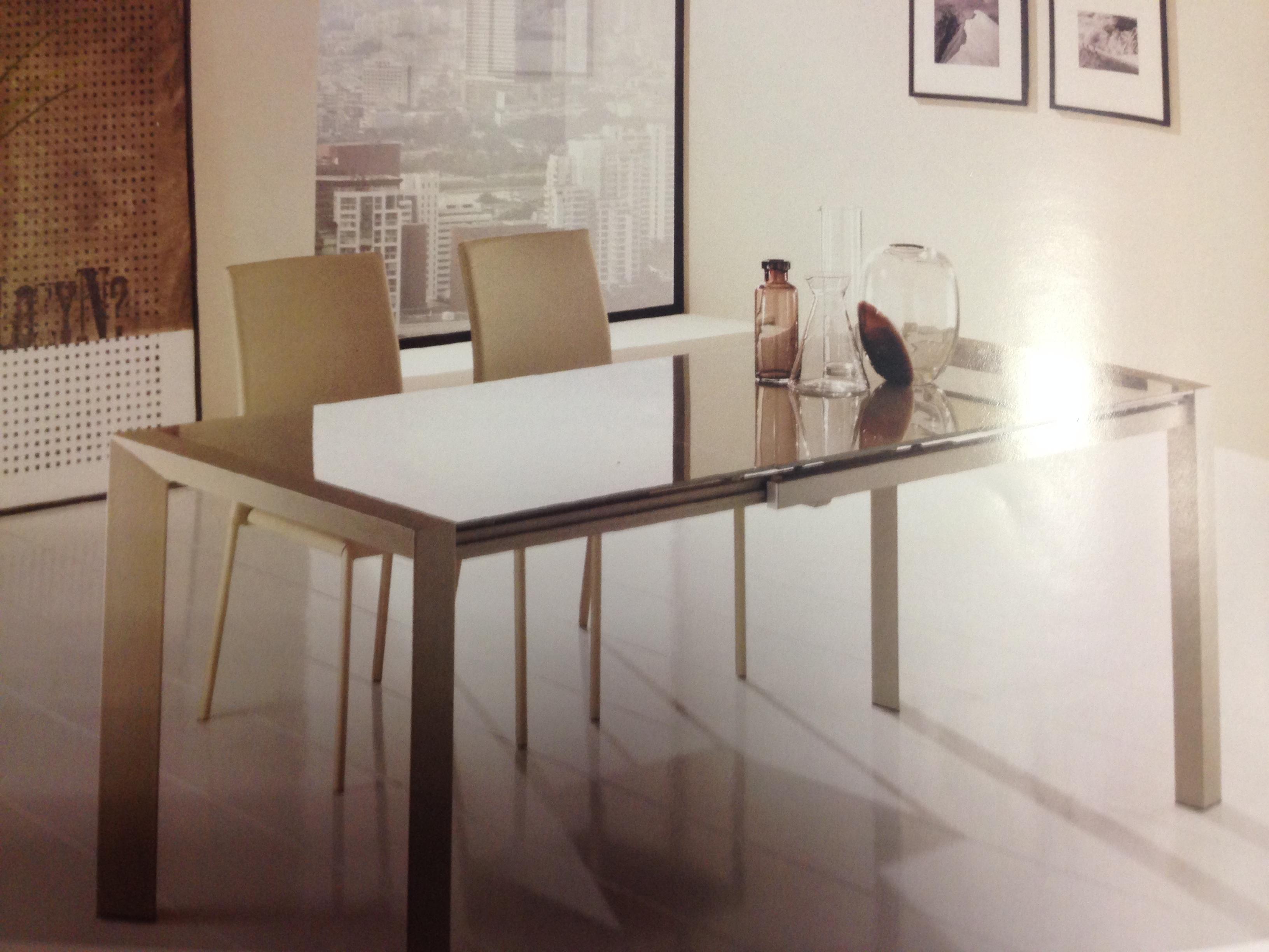 Offerta tavolo e 4 sedie : Arredamenti Agostino